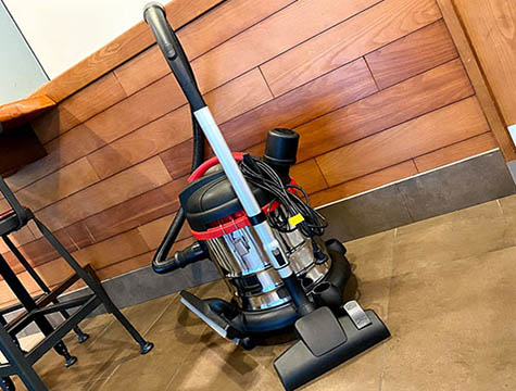 What's the Difference Between Industrial Vacuum Cleaner and Household Vacuum Cleaner?